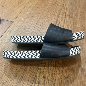 Eileen Fisher leather slides